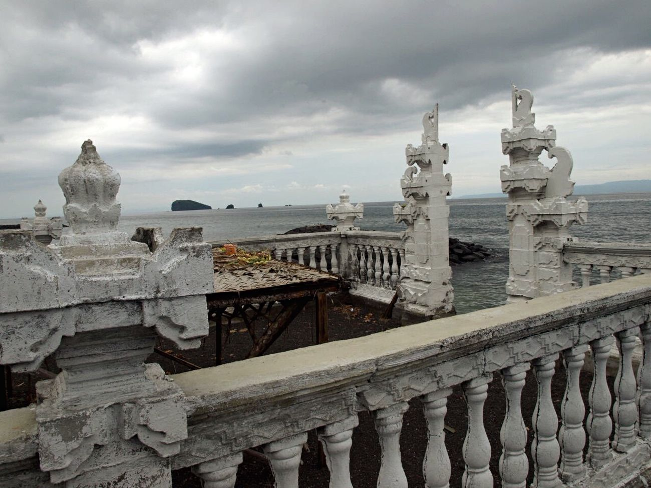 Traveling Candidasa Bali Sea