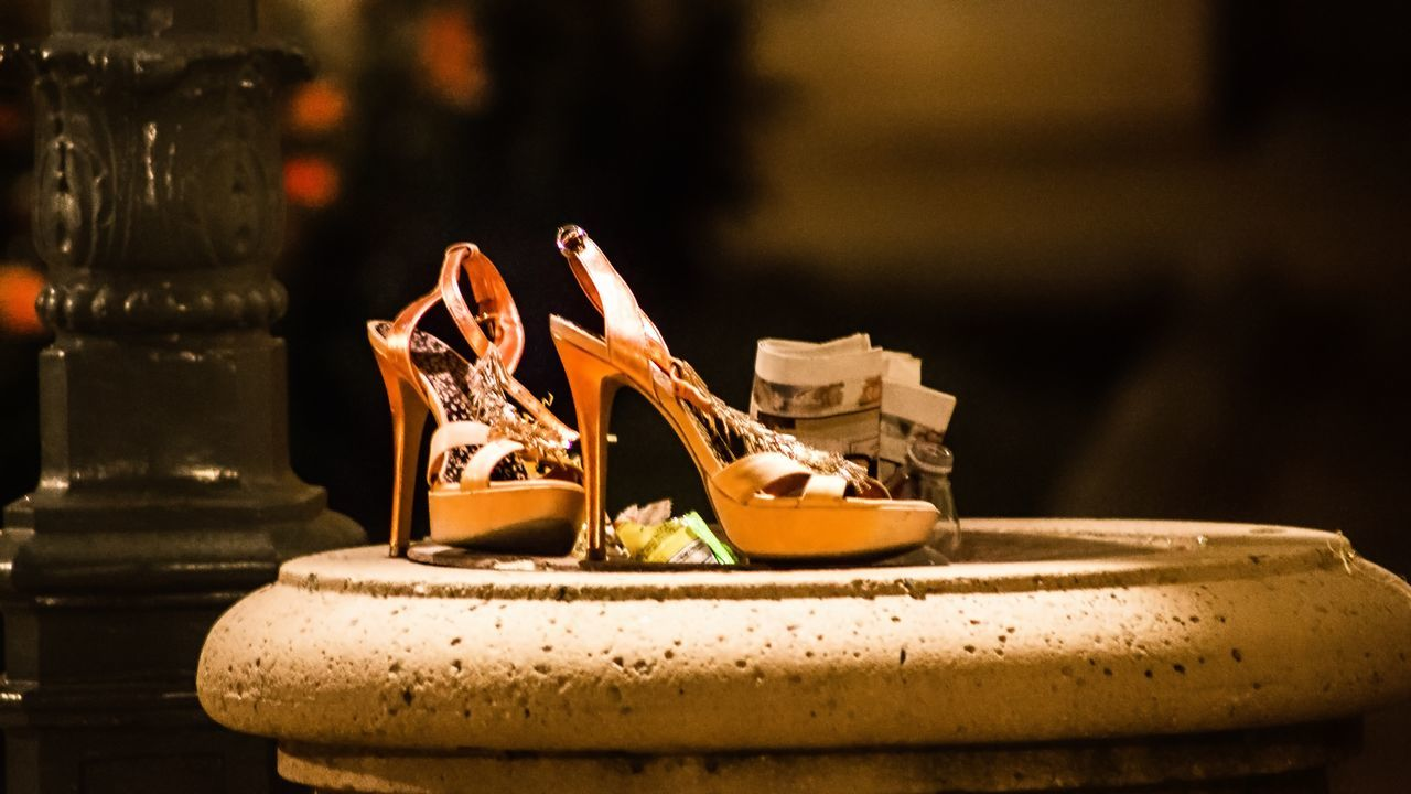 One woman's trash is another woman's night out...😅 https://youtu.be/mr00txAfFOI Old Shoes Taking Photos Canonphotography Canon5Dmk3 Found Objects Somebody's Trash