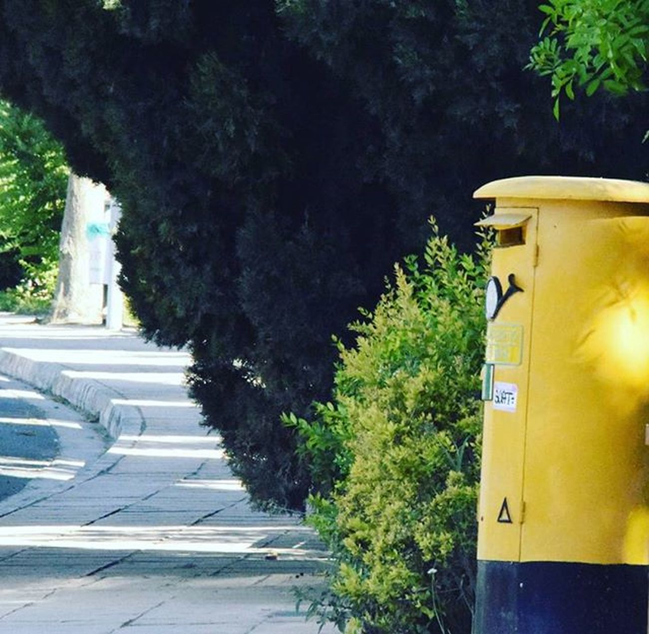 Postbox Yellow Green Road Street Smile Delivery Cyprus Hitfor100fans Hitfor100follows Clickfor500gains Followme Ifollowbackinstantly