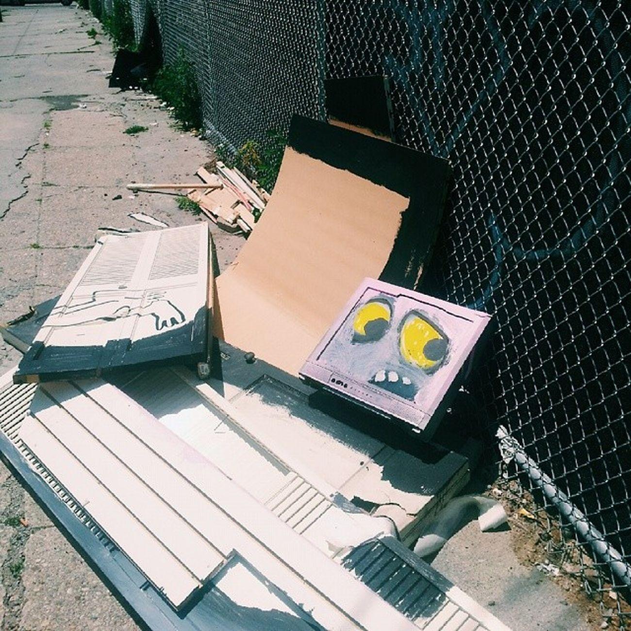 Wanted to take this little guy home Bk Brooklyn Williamsburg Junkin streetart art graffiti