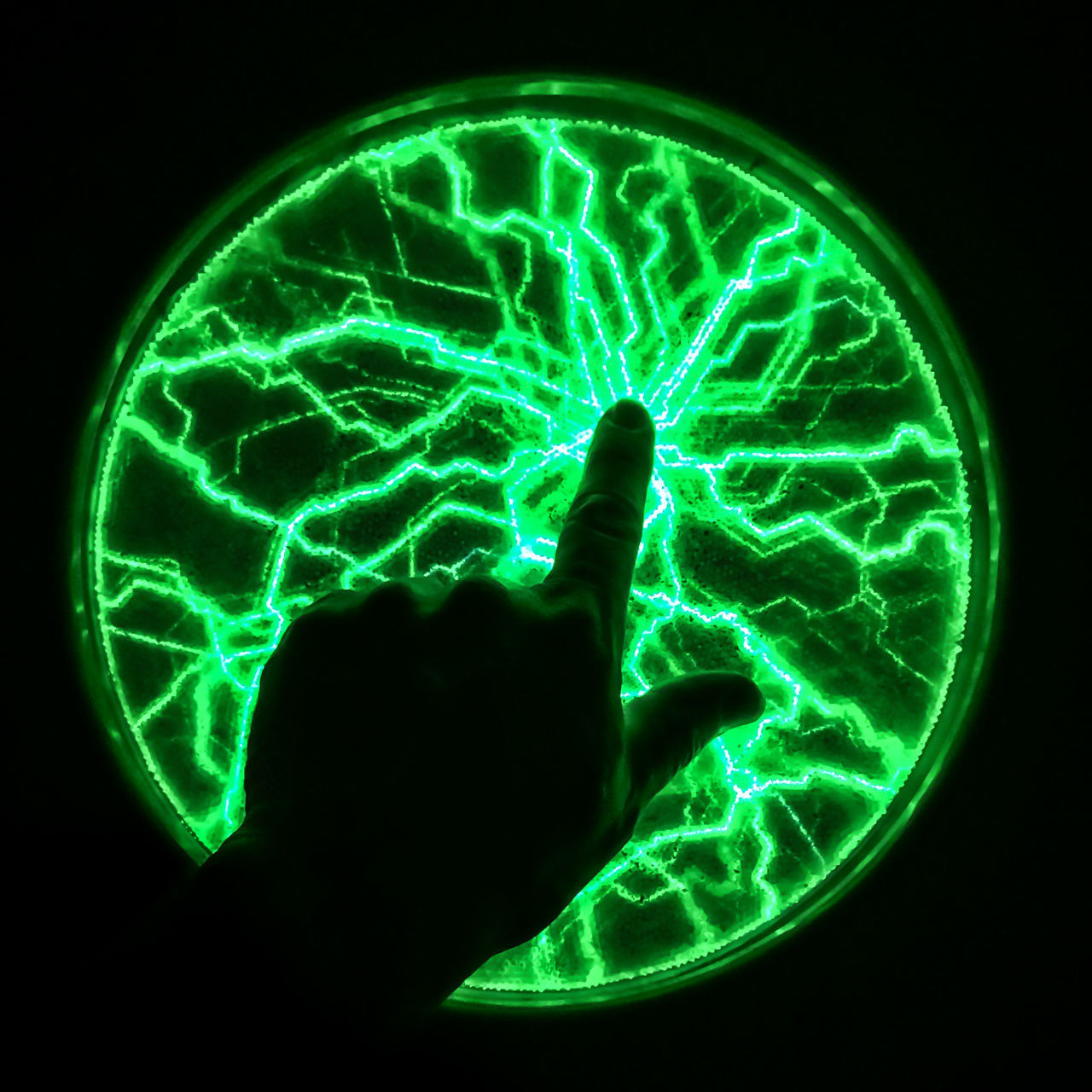 Carolinen Circle Close-up Dark Electricity  Finger Fingerpointing Green Color Hand Illuminated Phänomania Plasma Plasma Lamp