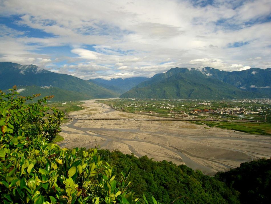 Mountain Landscape Cloud - Sky Tourism Beauty In Nature Non-urban Scene Physical Geography Vacations Majestic Sky Taitung,taiwan