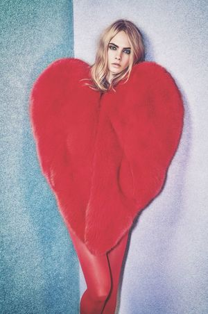 Cara Delevingne❤ Red Looking At Camera One Person Beauty One Woman Only Portrait Adults Only Beautiful People Women Only Women Sweater Blond Hair Beautiful Woman Full Length One Young Woman Only People Adult Young Women Young Adult Outdoors