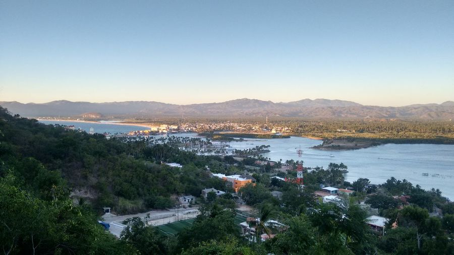 Vista de Colimilla, Colima, hacia Barra de Navidad, Jalisco, Mexico.