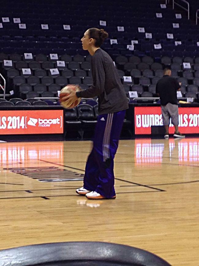 Diana Taurasi shooting around. Wnba Basketball Check This Out Sport