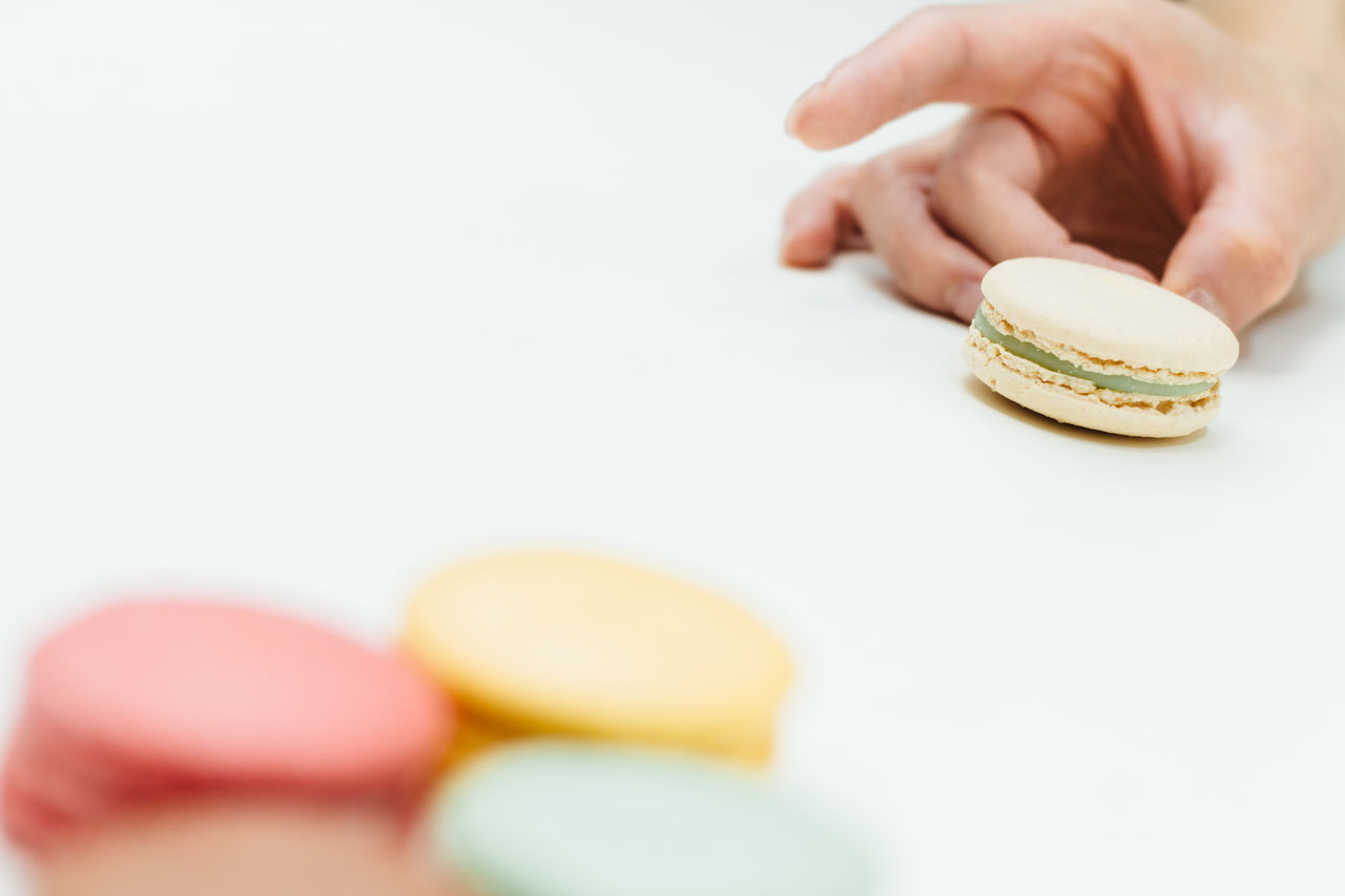 Overhead view → https://www.eyeem.com/p/83106289 Flick  Macarons Colorful Minimalobsession Colors Composition Deceptively Simple Depth Of Field Enjoying Life EyeEm Best Shots EyeEmBestPics Fingers Game ShareTheMeal Hands At Work Hello World Holiday Desserts Learn & Shoot: Balancing Elements Our Best Pics Part Of Pastel Pastel Power Still Life White Album White Background Resist
