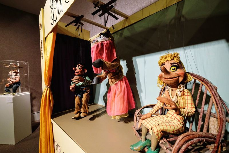 Photo essay - A day in the life. Museum of Nebraska Art: MONA Kearney, Nebraska November 6, 2016 A Day In The Life Art Museum ArtWork Camera Work Check This Out Culture Exhibition Eye4photography  EyeEm Best Shots EyeEm Gallery Fujifilm Indoors  Lifestyles Marionette Marionettes Museum Nebraska Photo Diary Photo Essay Puppet Puppet Show Puppetry Taking Photos Visual Journal Weekend Activities