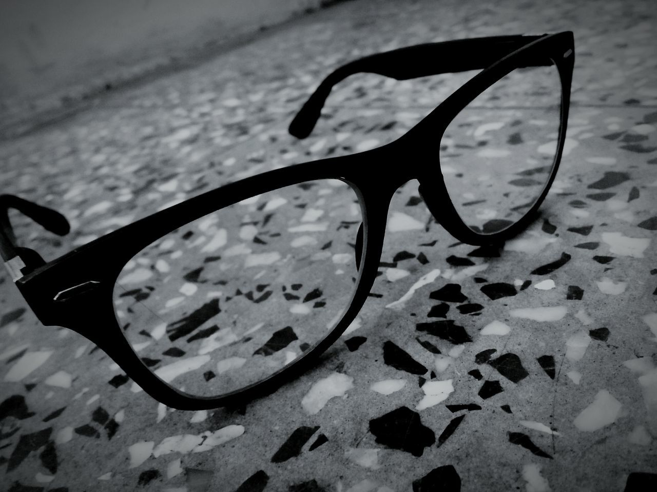 sunglasses, eyeglasses, eyewear, vision, eyesight, glasses, no people, high angle view, cool, close-up, day, outdoors, reading glasses