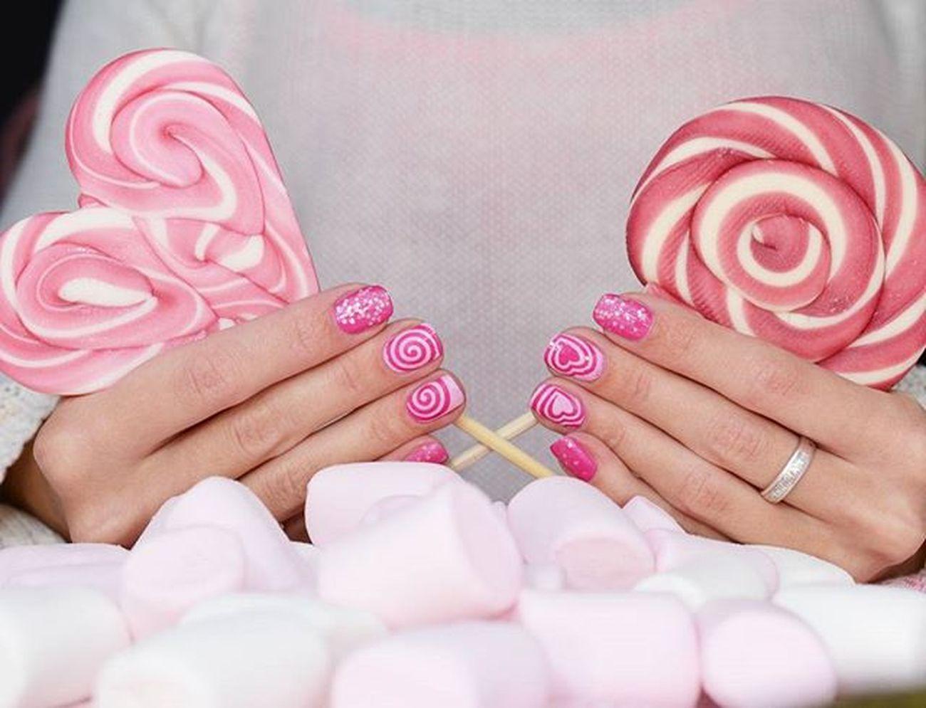 Для меня розовый цвет - это сахарная вата, серчечки и мимими. Поэтому вот такой маникюр получился для маникюрврозовомцвете в рамках маникюрнавыходной Анюты @nailsannagorelova и @dancelegendofficial в рамках марафона Maniinsta_kaleidoscope OPI Kiss me On MY Tulips, Golden Rose 63 и Dancelegend Top Fleur Конечно, при помощи самых лучших трафаретов @rocknailstar_shop Rocknailstar трафаретныйэкстаз Nailblogger Polishaholic Naildesign Nailru лакоманьяк Nailbeauty Nailaddict лакоголик Nails2inspire Nagellack  Smalto лак Notd Allprettynails Vernis Uñas Nailvarnish Nailsoftheday маникюрныйинстаграмтегсообществанейлру2016