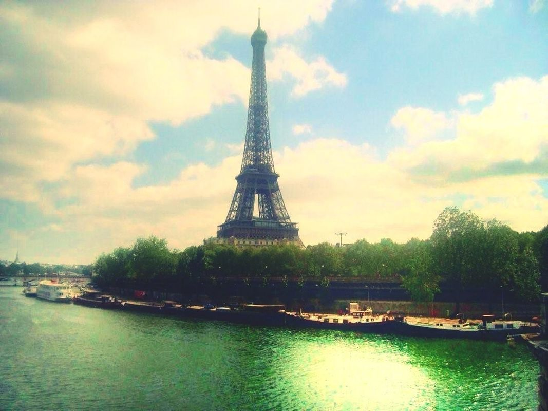 Tour Eiffel by Milady