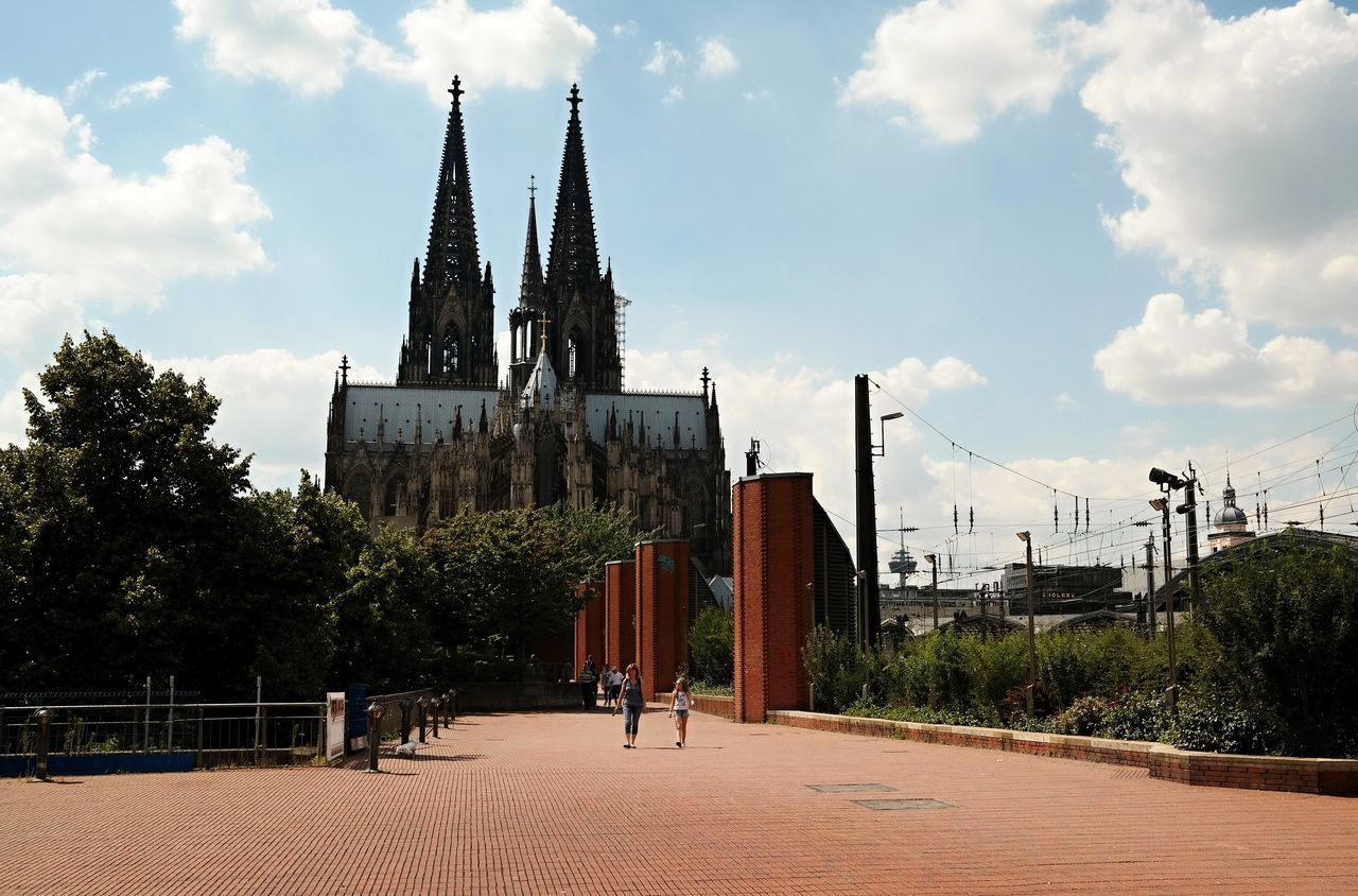 Architecture Building Exterior Built Structure City Cloud - Sky Cologne Cologne Cathedral Germany🇩🇪 Köln Kölner Dom Kölner Dom Cathedral North Rhine-westphalia NRW Outdoors Place Of Worship Place Of Worship Real People Religion Spirituality The Architect - 2017 EyeEm Awards The Great Outdoors - 2017 EyeEm Awards Traveller
