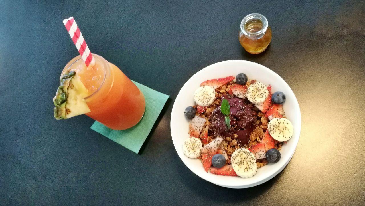 Açai bowl and juice for breakfast. Food And Drink Food Vegan Breakfast Barcelona Gourmet Healthy Eating Indoors  First Eyeem Photo EyeEmNewHere Visual Feast