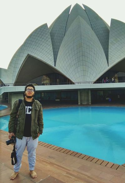 Lotus Temple. Hanging Out Delhidiaries Helloworld Индия New Delhi Travel EyeEm Gallery Wintertime Picoftheday Pictureoftheday Photooftheday India GoodTimes Today's Hot Look Lotus Temple That's Me