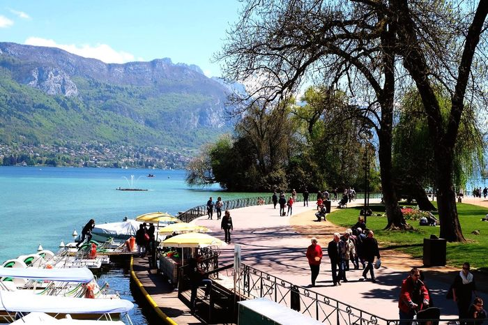 Strolling by Le Lac Annecy Lake Beautiful Scenery Nature Taking Photos Enjoying Life Unconditional Love Lizara ❤️ Vacation Time Making Memories! :) People Watching Travel Photography France Annecy, France Water Reflections Ourstory Blending With Local Streetphotography The Great Outdoors - 2016 EyeEm Awards