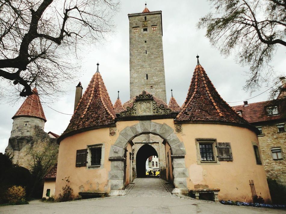 Rothenburg; a small medeival town in Germany, lies in an area called Romantic Road :) Architecture Building Exterior History Built Structure Travel Destinations No People Germany Photos Germany 🇩🇪 Deutschland Germany🇩🇪 Germany Rothenburg Rothenberg Outdoors Miles Away