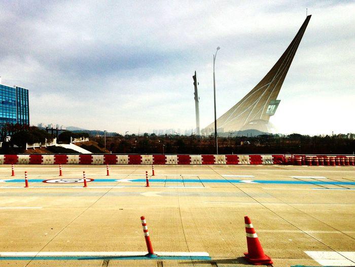 Bye-bye Seoul See you soon. Architectural Detail Urban Geometry HDR