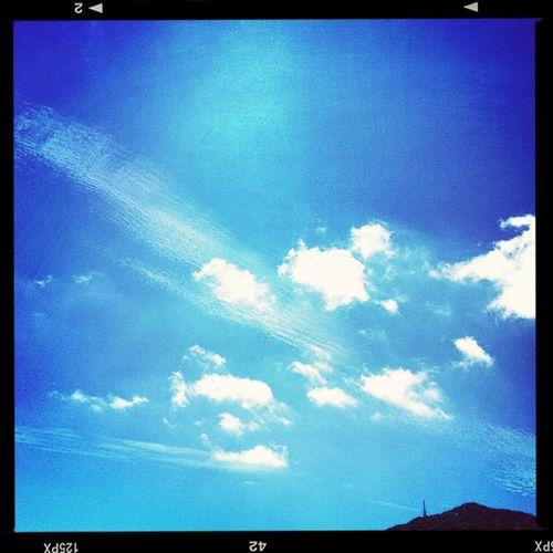 今日は。。。台風あとで曇り空ショボ─llll(。í _ ì。)llll─ン。いつかの青空で(∩・∀・)∩ラァーン♪♪♪♪♪ Sky #カコソラ