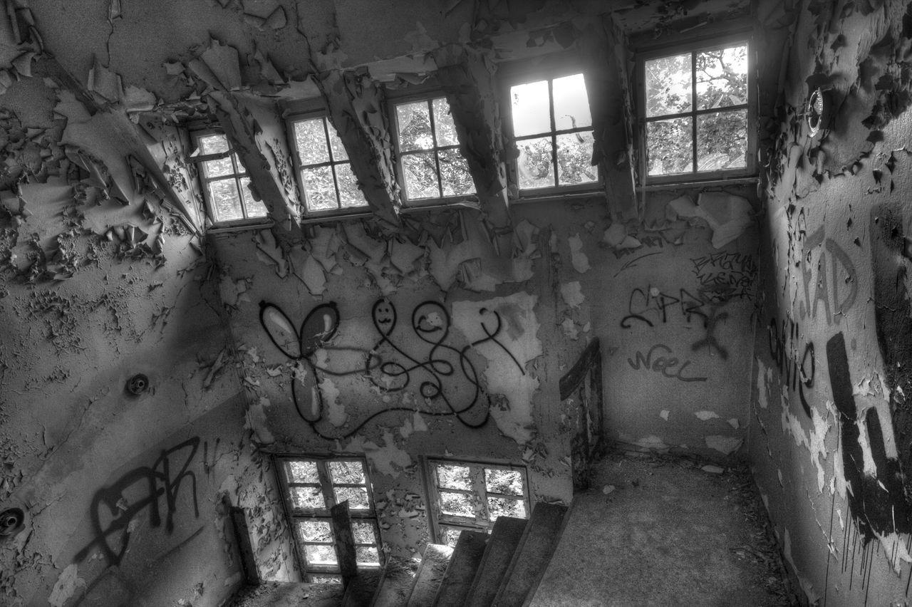 Architecture Black And White Graffiti Graffiti Art Historical Historical Place Old Rotten Places