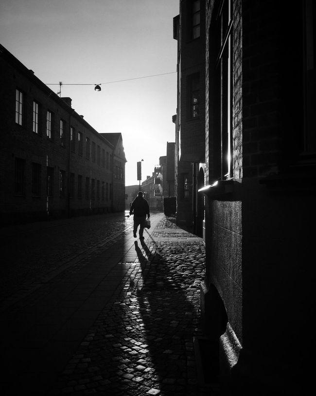 Street Photography Silhouette Monochrome EyeEm Best Shots - Black + White Streetphoto_bw Shootermag
