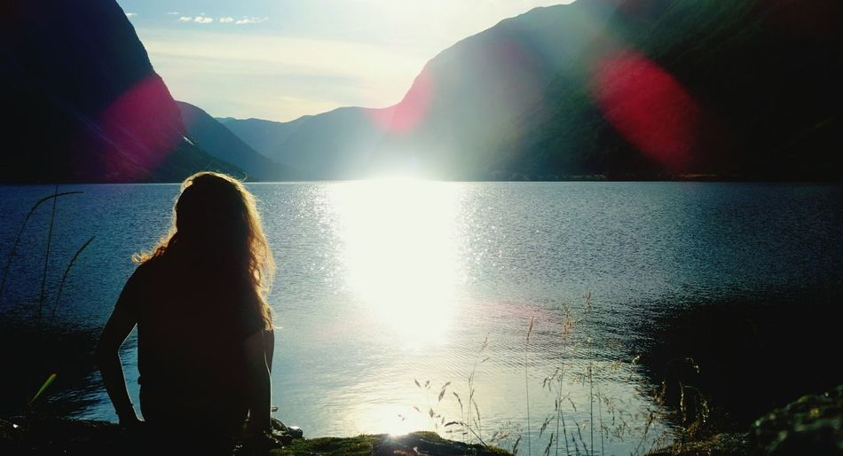 Feeling calm in a norwegian fjord, last summer 🌞 Sunset Sunset Silhouettes Travel Mountains Capturing Freedom Outdoors Norway Enjoying Life Water Water Reflections Youth Of Today Landacapes With Whitewall Here Belongs To Me Things I Like