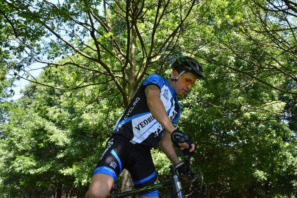 Bicicleta Bike Bikes Casual Clothing Ciclismo Ciclista Cycling Cyclingphoto Cyclist Men Style Mensfashion Menstyle Menswear Mountain Bike Mountain Bike Spring 2017 Mountain Biking Sport Sport Clothes Sport In The City Sport Time Sports Sports Clothing Sports Photography Sports Race Sportsman