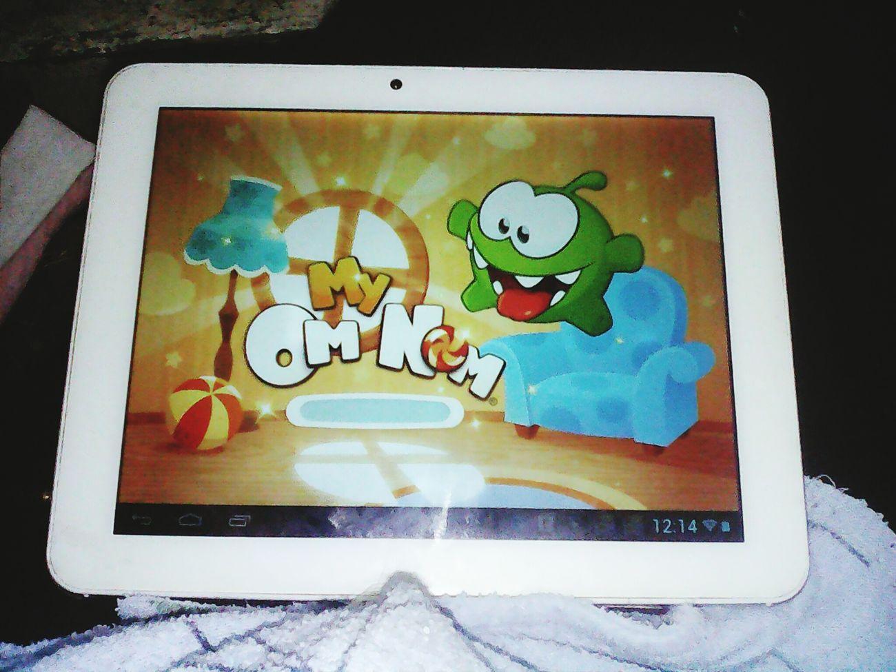 My Tablet My Om Nom Game Мой планшет любимая игра скууучно скукаскучная Коротаю время Relaxing Enjoying Life