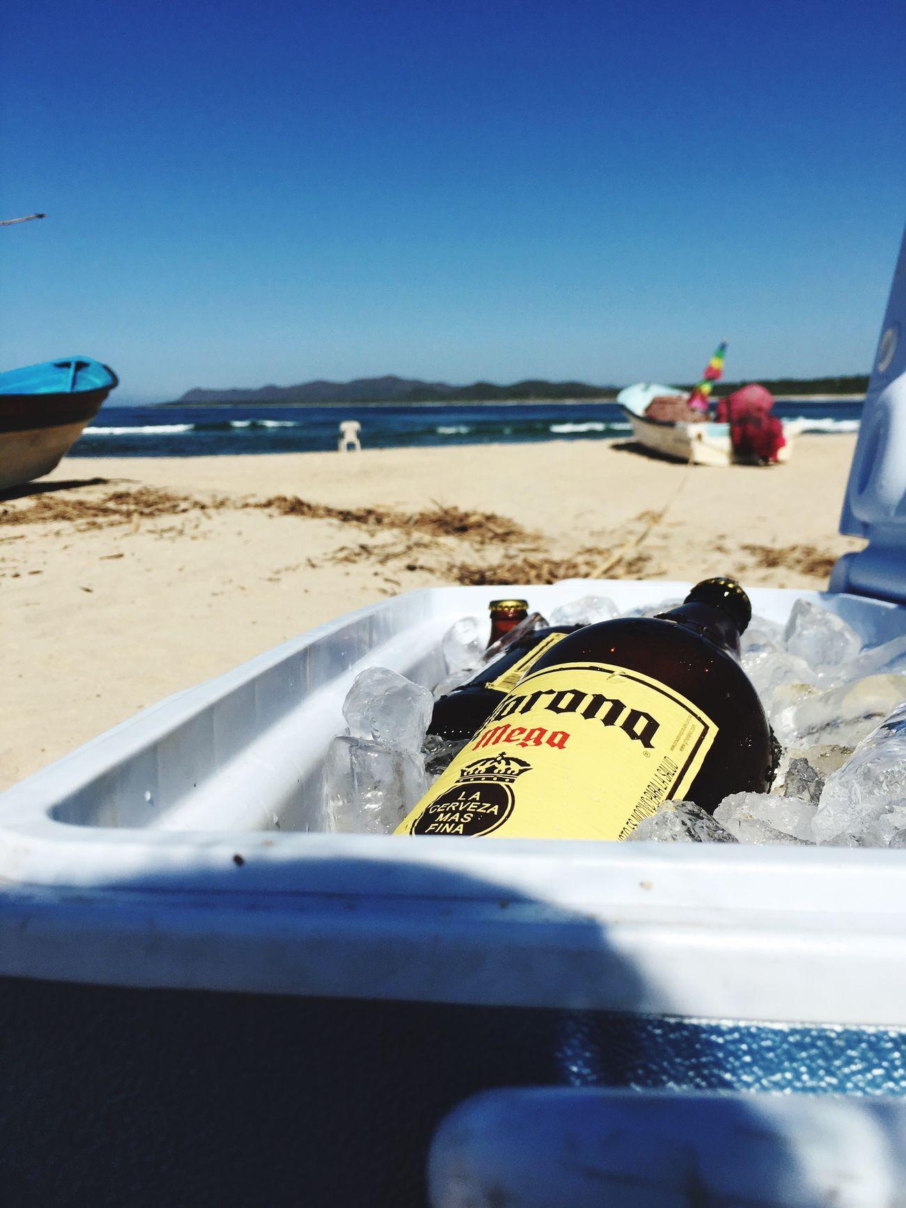 Beach Day Sea Vacations Close-up Horizon Over Water Trip Disfrutando De La Vida Relax FreeTime Friends Corona Beer
