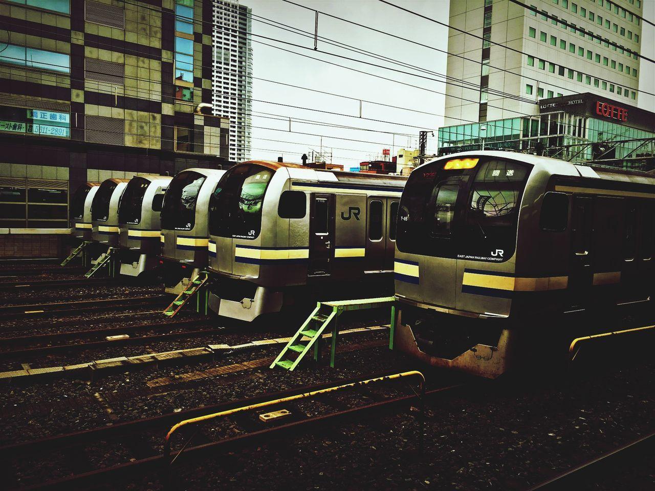 今日は雨の外回り。寒いです😖 JR錦糸町駅にて。 Kinshicho Tokyo Days Trains Train Sōbu Line (Rapid) JR EAST Rainy Days Tokyo Hello World Brothers