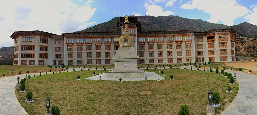 Le Meridien Le Meridien Hotel Le Meridien Paro Bhutan Paro Hotels Around The World Bhutanese Architecture Traditional Architecture Unique Architecture Architecture Architecture_collection Architectural Detail Taking Photos Panoramic Photography Mobilephotography Hotel Hotel Design 5 Star Hotels Hotels In The World Hotels And Resorts