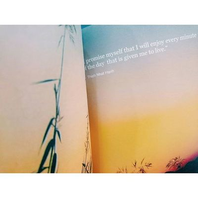 P r o m i s e ลาวและนาย . . . . . . Longwaylaos Abook Abookaday Traval Journal Journey Traveling Traveler Book Pocketbook VSCO Vscocam Hipster Thailand Hipsterthailand Happy Behappy HappyPuYnoON Godaypoets Abookpublishing Journeyeasyfunny