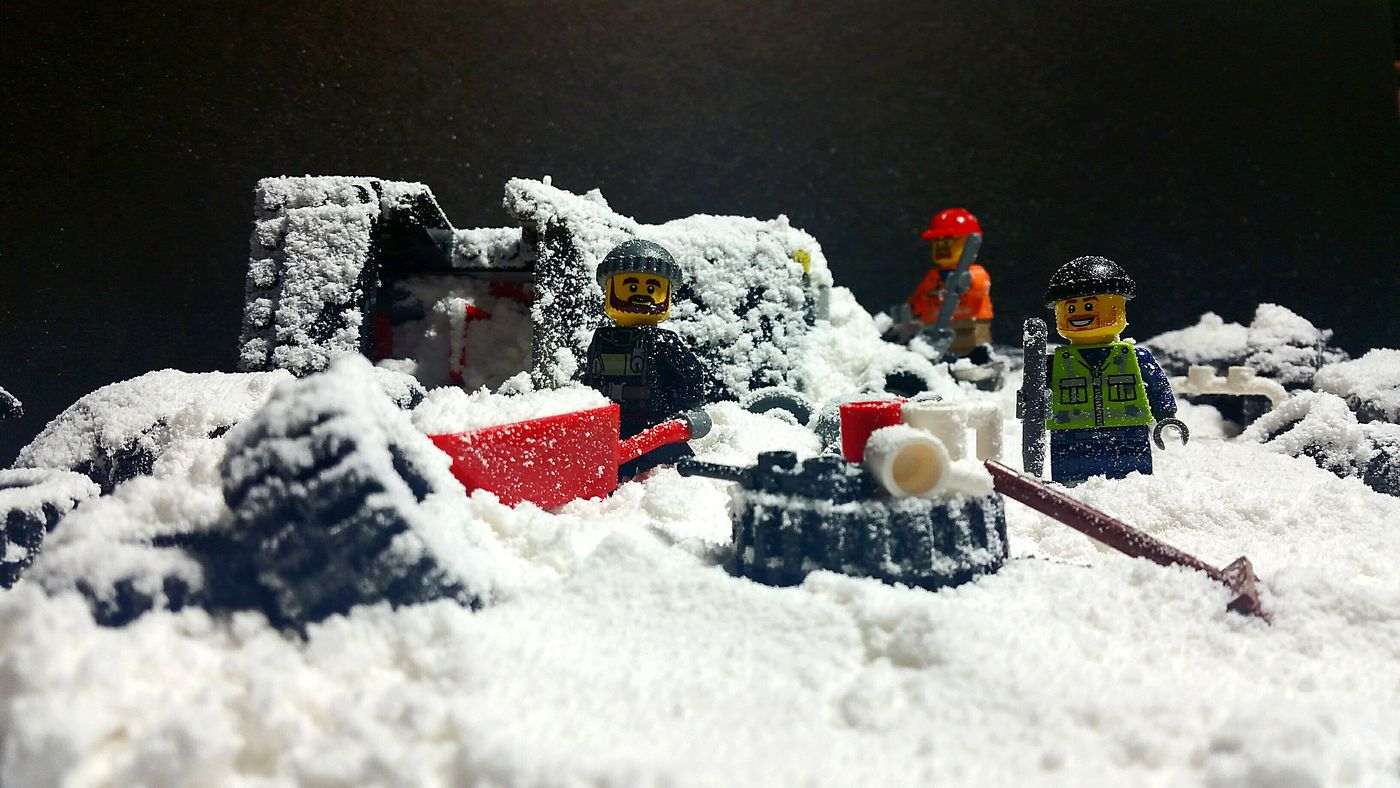 Cleaning up what can't be cleaned... Snow Cold Temperature Winter Weather Season  Snowman Toy Red Surface Level Multi Colored No People Lego Wedding Trip Lego Photography Legoart Lego Minifigures Legoworld Legominifigs Lego Adventures Lego Time! Legography Legophotogallery Snow Day Lego Simpsons Legogram Legomovie