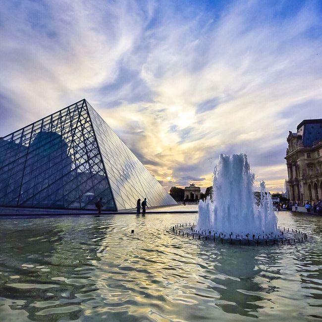 Goodnight Paris! Bonsoir Paris Cloud - Sky Architecture Water Parisweloveyou Photooftheday Cloud Paris ❤ EyeEm Best Shots Paris Eyem Best Shot - Architecture