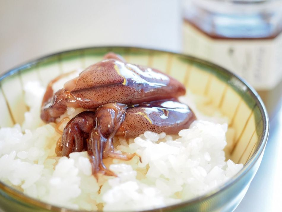 Enjoying A Meal Cuttlefish Japanese Food 沖漬け