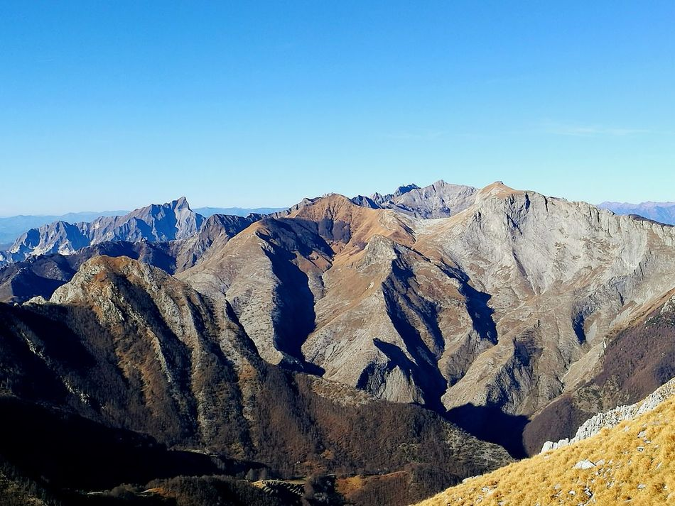 Clear Sky No People Beauty In Nature Landscape Nature Mountains And Sky Mountain View Mountains And Valleys TrekkingDay Scenics Apuane Mountains Vibrant Color