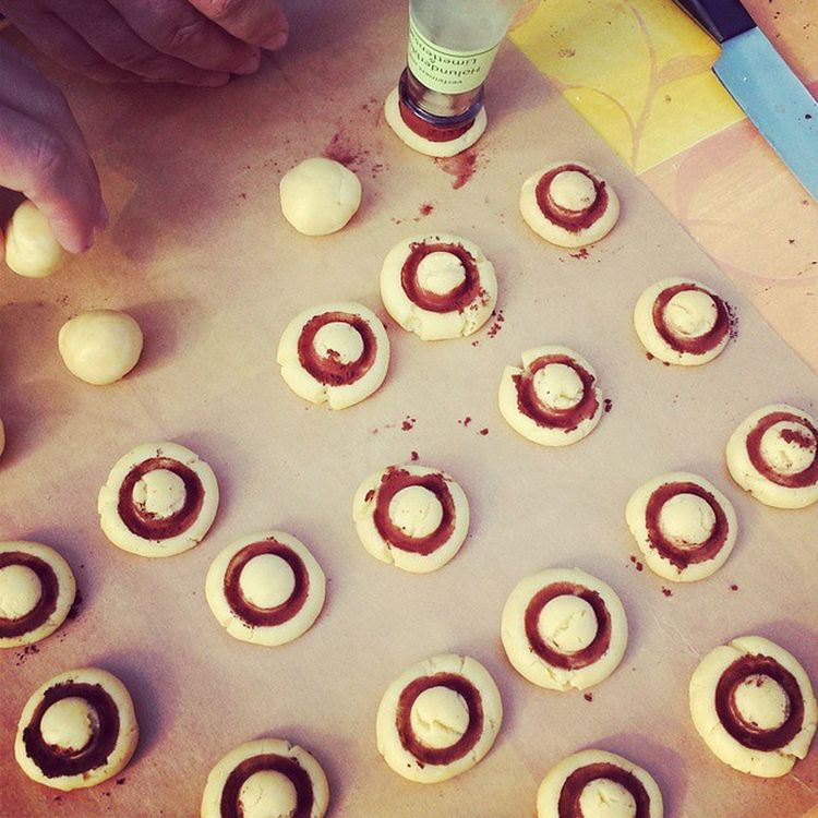 Backen Kekse Plätzchen  Garten Sonne cookies Teig Champignonkekse