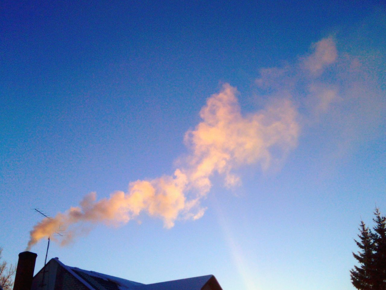 Pastel Power Pastel Smoke Taking Photos Hanging Out Smokes In Sky Smokes Eye4photography  Sky_collection Winter_collection Sunny Day☀ The Week Of Eyeem