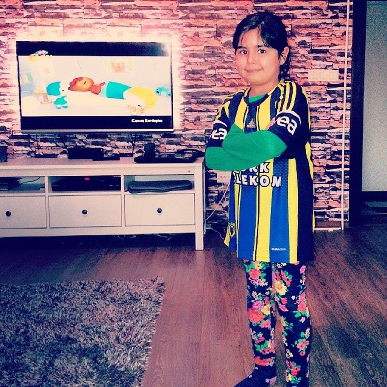Fenerbahçe formamızla gittik sandığa..kime oy verdiğimizi kimse bilmiyor..! Ama kime oy vermediğimizi herkes biliyor..!! Fenerbah çe InstaFB