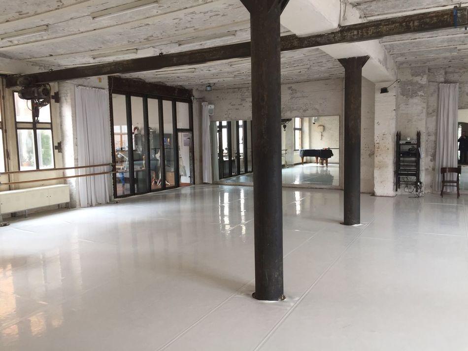 Doc11 Dance Dance Studio Loft Architecture Berlin Room Minimalist Architecture Grey White All White