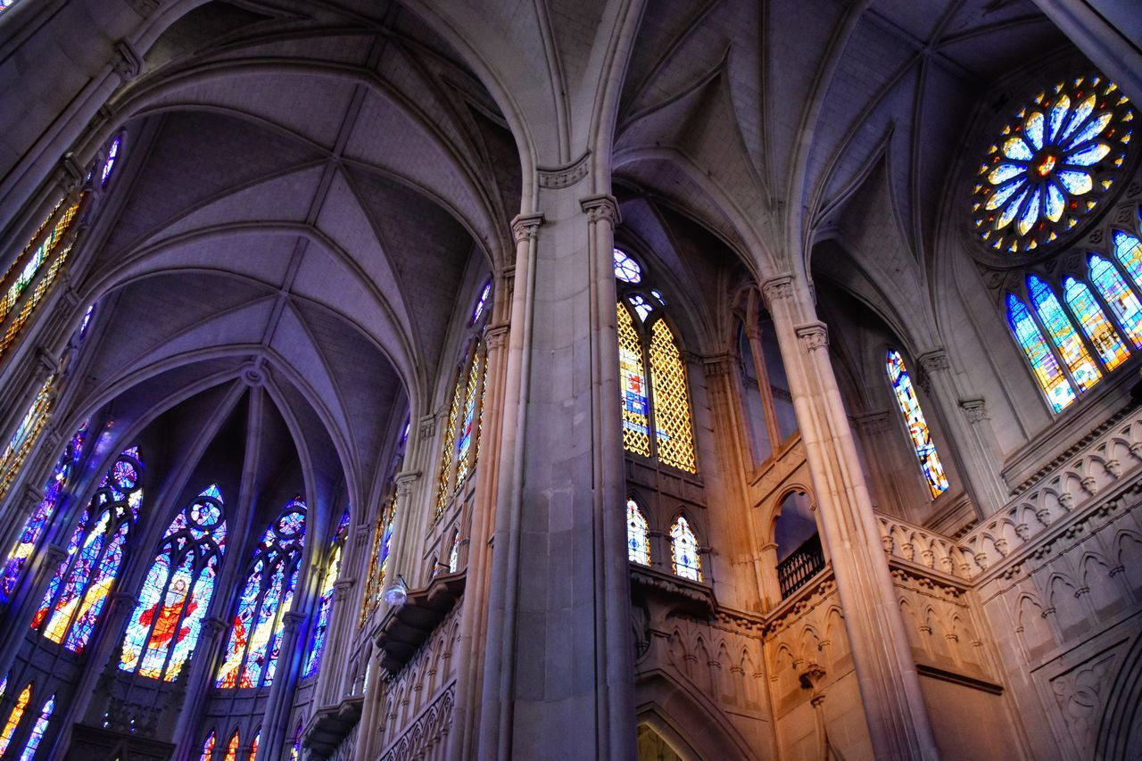 Window Religion Stained Glass Architecture Place Of Worship Indoors  Ceiling No People Built Structure Spirituality Low Angle View Multi Colored Day The Architect - 2017 EyeEm Awards Low Angle View Architectural Column Beautiful View