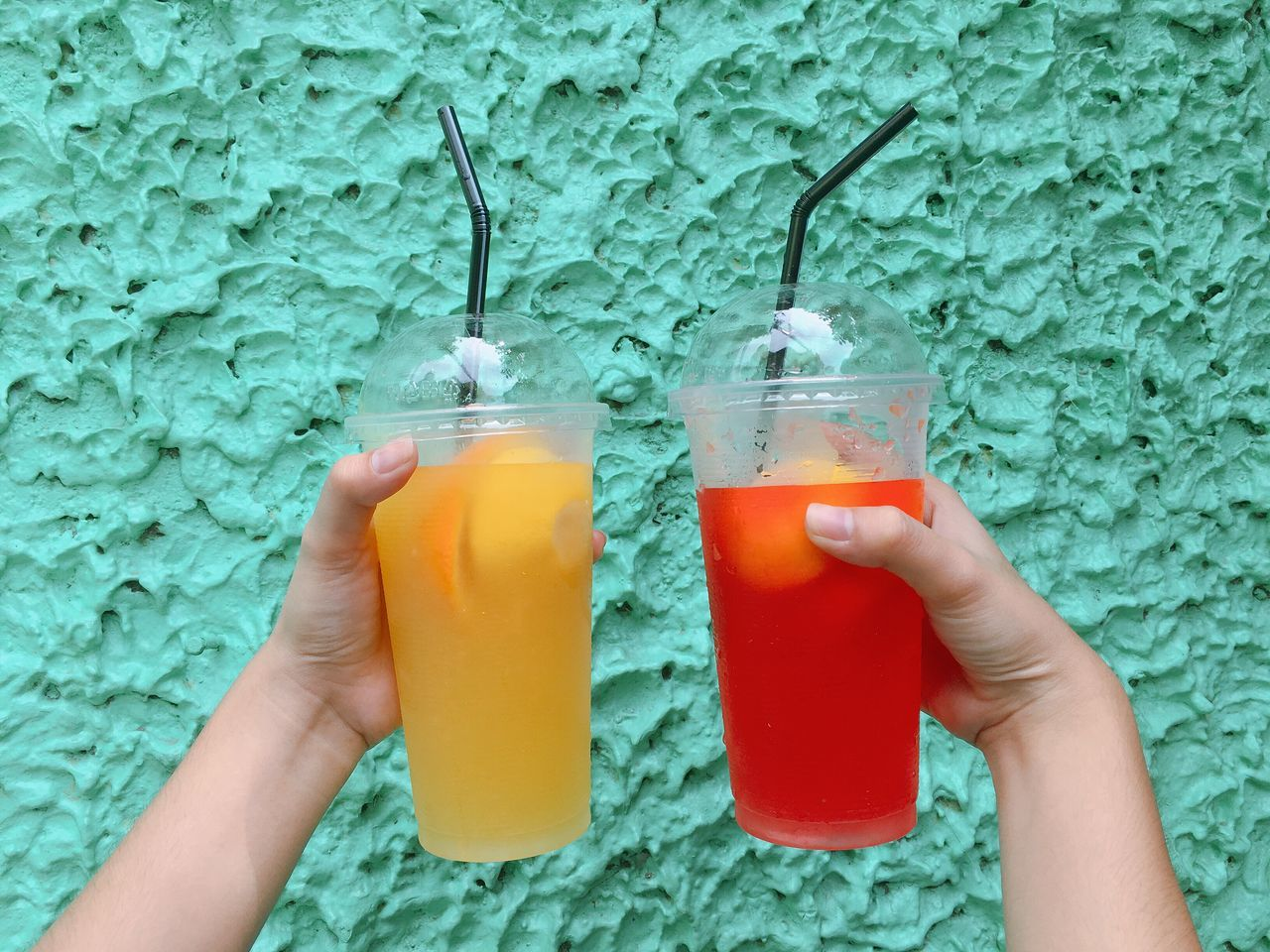Eyeem Philippines Human Hand Drink Human Body Part Food And Drink Real People Personal Perspective Holding Drinking Glass Drinking Straw Lifestyles Refreshment One Person Unrecognizable Person Freshness Leisure Activity Friendship Healthy Eating Women Indoors  Day Sommergefühle