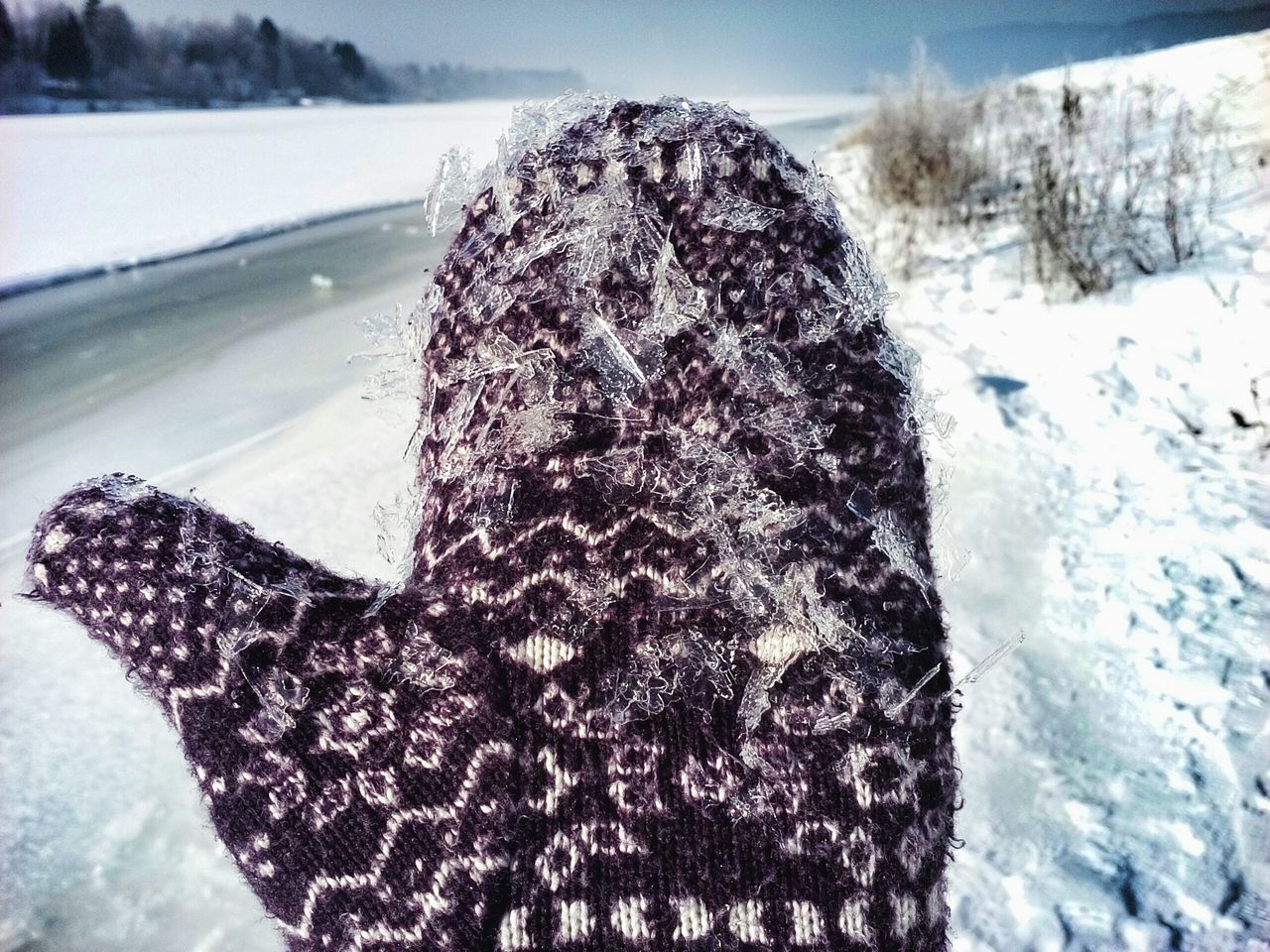Winter Warm Clothing Outdoors Close-up Patterns Winter Glove Pieces Of Ice Nature Pattens Textile Textures Man And Nature Cold Temperature Riverside