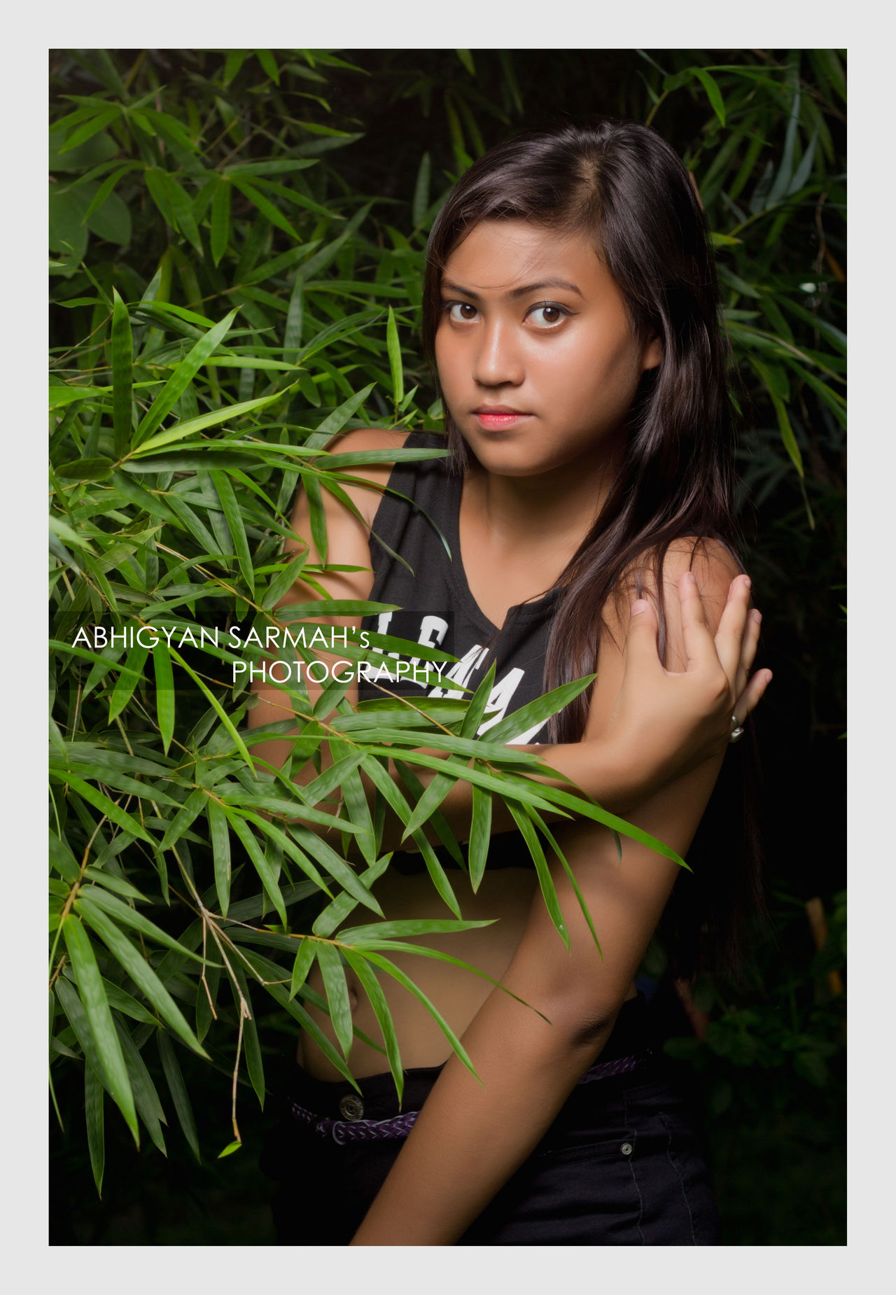 Into the wild Portrait Beauty Young Adult Leaf One Young Woman Only Beautiful Woman Outdoors Only Women Adult Portrait Beauty One Person Young Adult Leaf Young Women Lifestyles One Woman Only Adults Only One Young Woman Only Women Green Color Beautiful Woman Adult Ivy People First Eyeem Photo