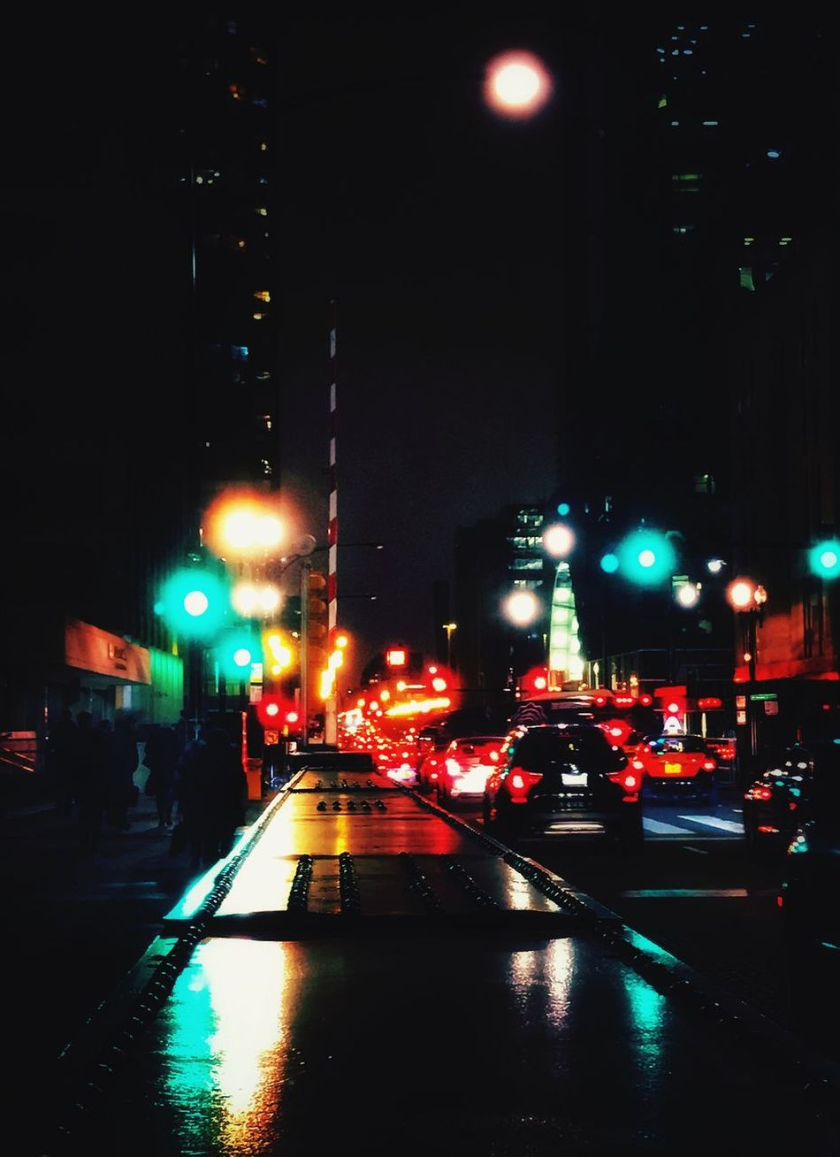 Rainy Days Rush Hour Colors 🔷🔻🔸 Illuminated Loop Chicago Transportation Car People Red Light Outdoors EyeEm EyeEm Gallery Eye4photography  Chicago Architecture Chicago Photographer Windycity Fog Urban Landscape IPhoneography Bokeh Lights