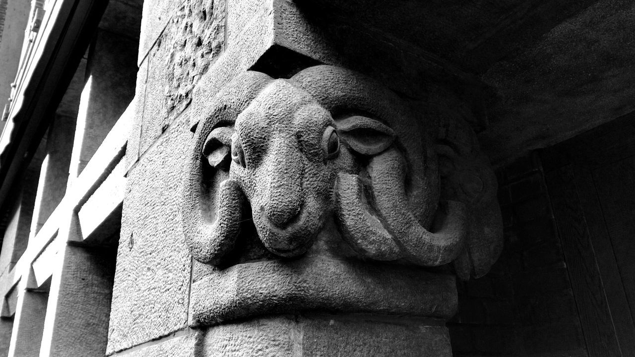 Animal Architectural Detail Architecture Architecture Aries Art Blackandwhite Blackandwhite Photography Built Structure Detail Eye4photography  EyeEm Best Edits EyeEm Best Shots EyeEm Gallery EyeEmBestPics Low Angle View Outdoors Stone - Object Widder The Magic Mission Monochrome Photography