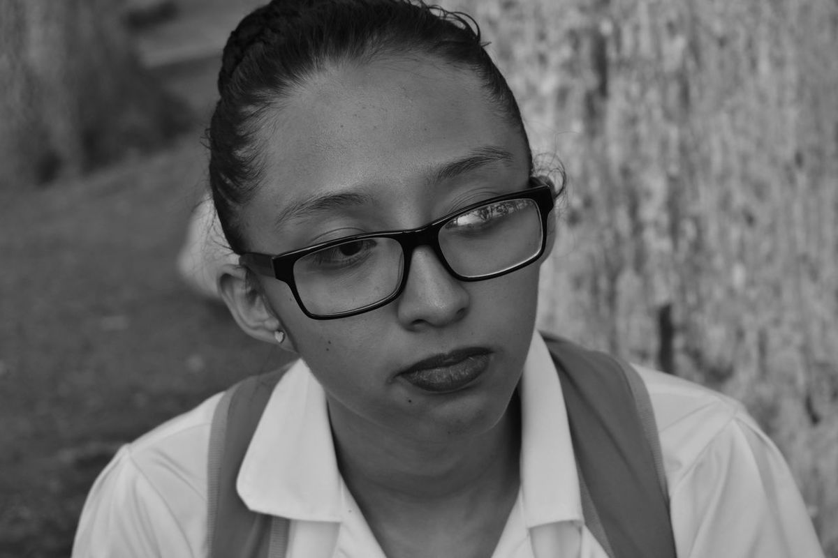 Uno es de donde ama y es amadoYoung Adult Headshot Eyeglasses  Portrait One Young Woman Only Adult One Person Photography Photographer Black And White Street Photography Nikon Nikon D3400 Yosoynikon Love WhithoutFilter
