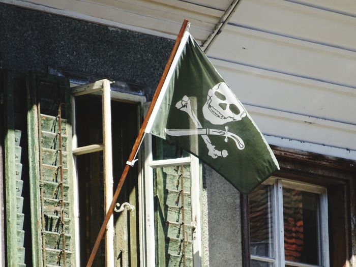 Bern, Switzerland Jolly Roger Sightseeing Streetphotography Looking Up