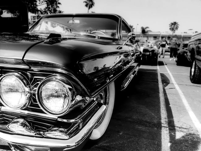 Classic cars...... LGarciaPhotography Olloclip IPhone IPhoneography Iphonephotography Iphoneonly Iphone 6 Plus Shot On IPhone Redondobeach CarShow Cars Car Bnw Bnw_friday_eyeemchallenge Blackandwhite Streetphotography Lines Reflection Perception Monochrome Black And White Light And Shadow Shadow Muscle Cars Vintage Cars