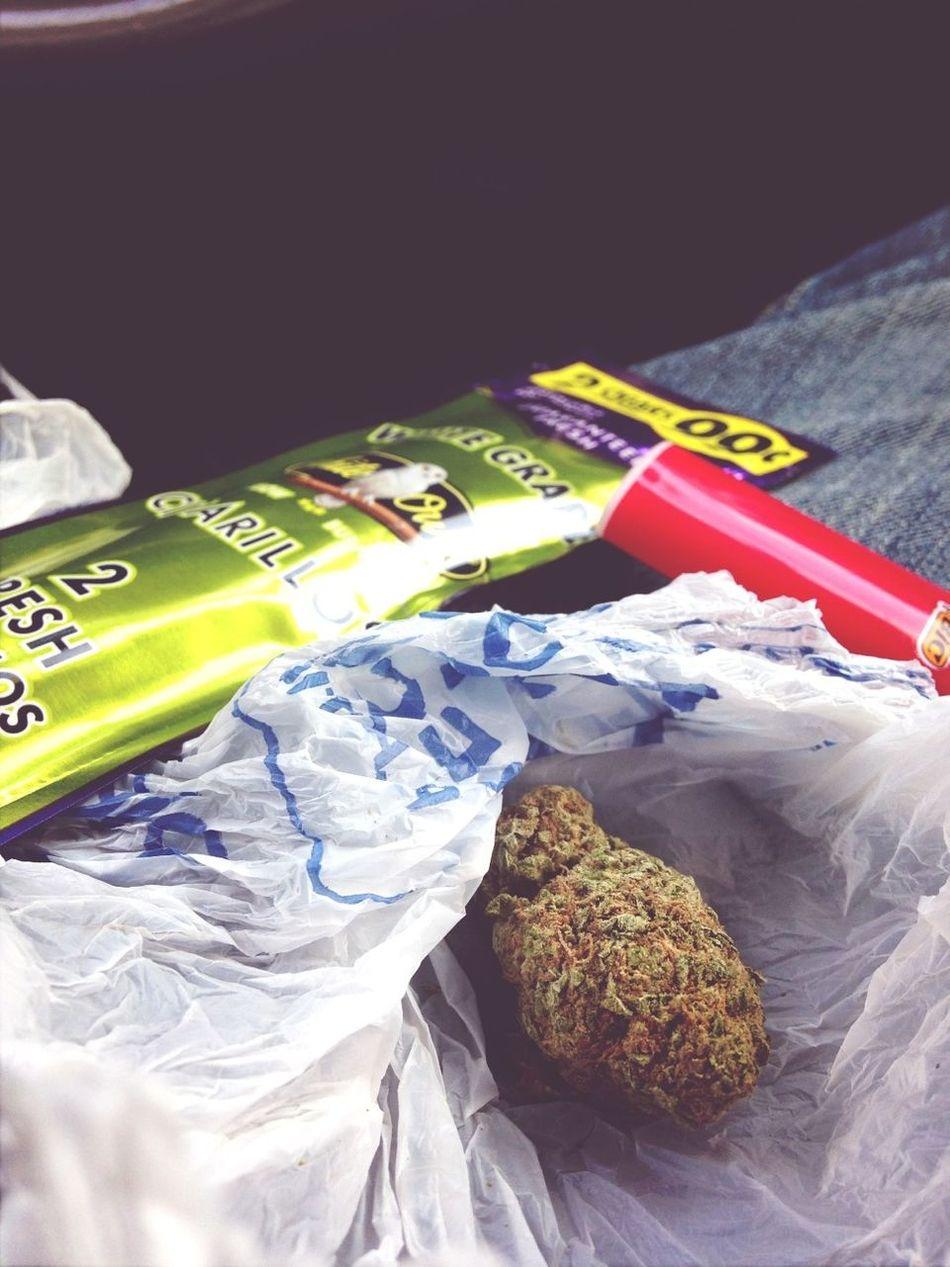 I Smoke A Lot Of Weed I Got A Fckin Problem I Smoke Good Nigga Kik Me Relaxing