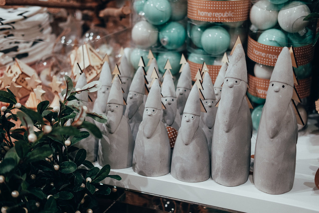 Beautiful stock photos of weihnachtsmann, retail, no people, variation, indoors