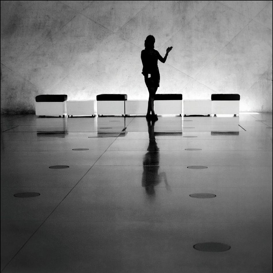 The girl who wanted to make her own series Siluette Siluetas Blanco & Negro  Blanco Y Negro Monochrome Black & White La Falsa Envoltura De Las Apariencias Getting Inspired Eyem Best Shots EyeEm Best Shots - Black + White